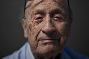 Hyman Steinmetz holocaust survivor at his home in Brooklyn